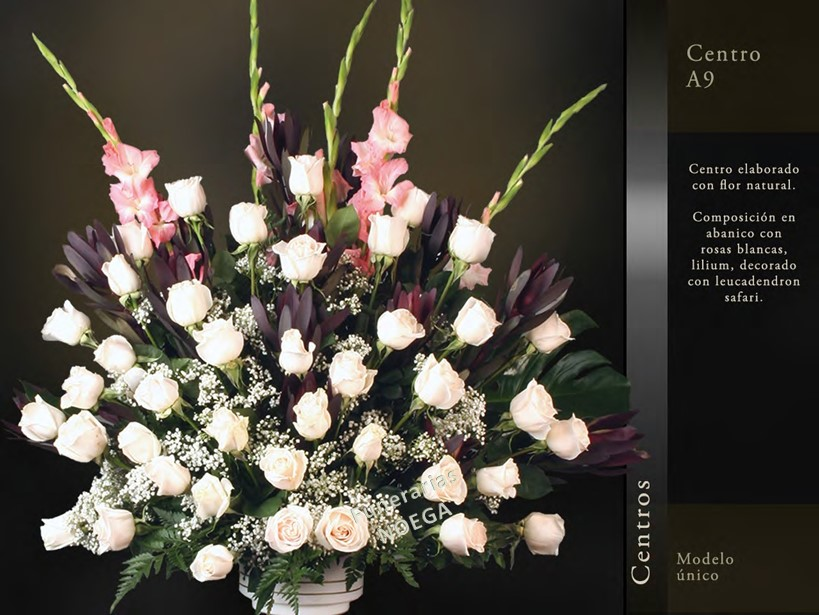 Centro de rosas blancas lilium y leucadendron safari for Jardin noega tanatorio gijon esquelas