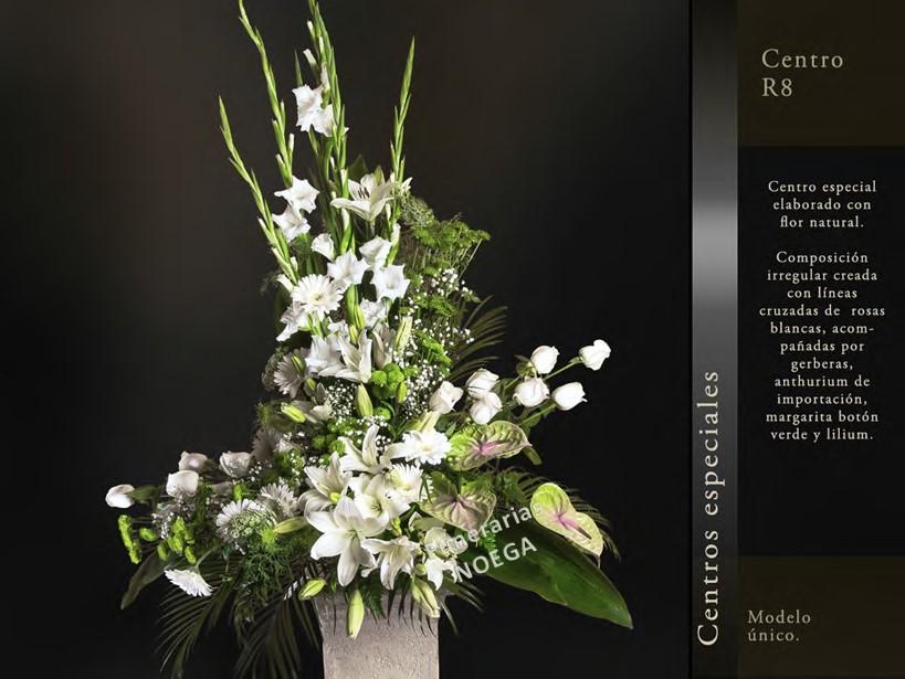 Centro de rosas blancas anthurium y lilium blanco Jardin noega tanatorio gijon esquelas